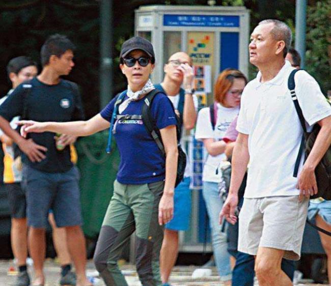 Từng cạch mặt nhau vì một người đàn ông, hai mỹ nhân đình đám Hong Kong Quan Chi Lâm và Lưu Gia Linh bất ngờ hội ngộ 3