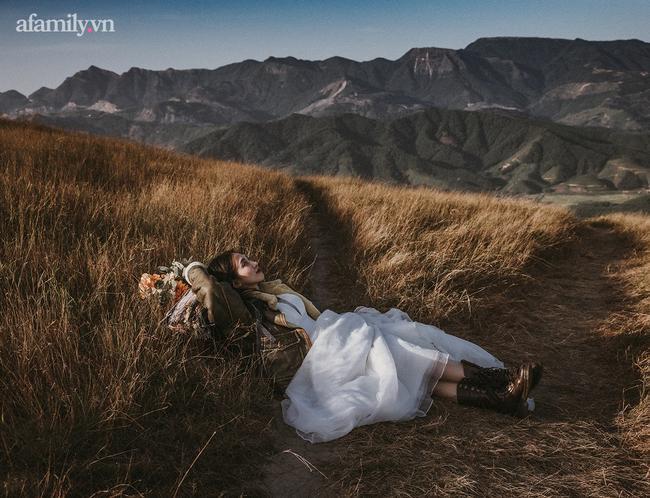 Phong cách chụp ảnh cưới 'chất ngất' là đây: Bộ ảnh ghi dấu kỉ niệm tình yêu 3 năm, chỉ nghe cái tên thôi ai cũng 'mê mẩn' 1