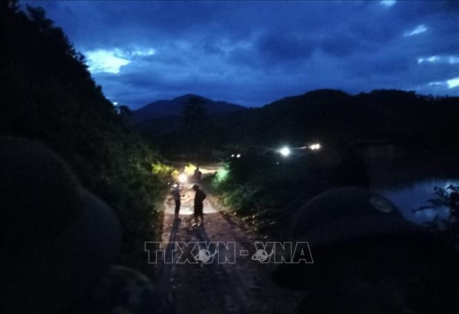 Sạt lở tại Phước Sơn, Quảng Nam: Xuyên đêm để thông tuyến đường vào khu vực sạt lở 1