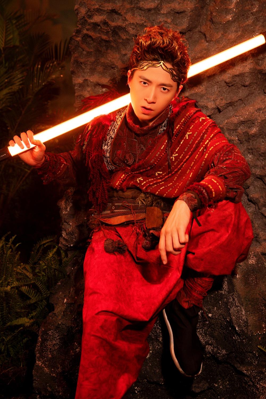 Ngô Kiến Huy hé lộ tạo hình Tôn Ngộ Không siêu điển trai bên cạnh nàng 'tiểu thư' Sam xinh đẹp ngút ngàn 1