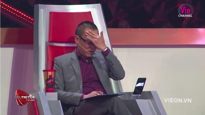 Siêu trí tuệ: Chàng trai 18 tuổi khiến nhà báo Lại Văn Sâm cùng khán giả xúc động, rơi nước mắt 5