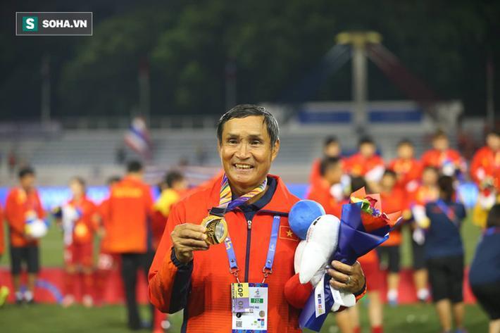 Phát biểu sau khi giành HCV SEA Games, HLV Mai Đức Chung có những chia sẻ về áp lực mà HLV Park Hang-seo phải gánh khi cùng lúc đảm đương cả ĐTQG và U23 Việt Nam.