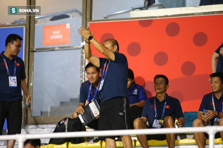 Bên cạnh niềm vui khi chứng kiến đội tuyển nữ Việt Nam đăng quang, trận chung kết bóng đá nữ cũng đem tới một số gợi ý cho thầy Park khi phải đối đầu với một đối thủ có ưu thế về thể lực, cho dù giữa bóng đá nam và bóng đá nữ có nhiều khác biệt.