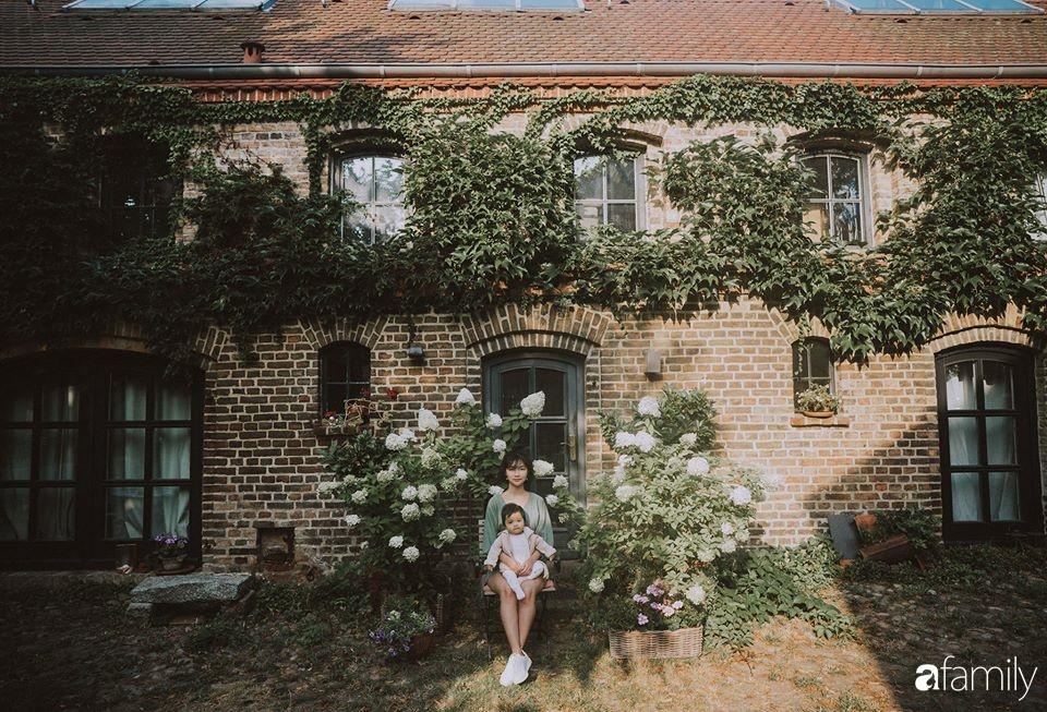 Cuộc sống êm đềm của đôi vợ chồng trẻ người Việt ở Đức: Dù sống giữa vùng dịch vẫn bình thản trồng rau, làm bánh 1