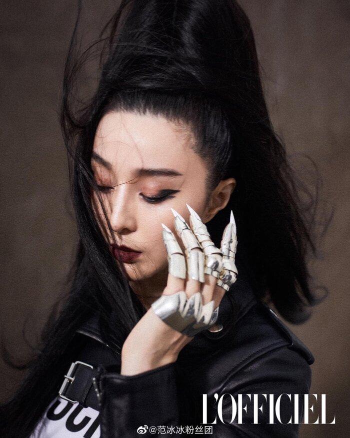 Bộ móng tay nhìn như 'móng vuốt' từ nhân vật Cat Woman sắc lẹm