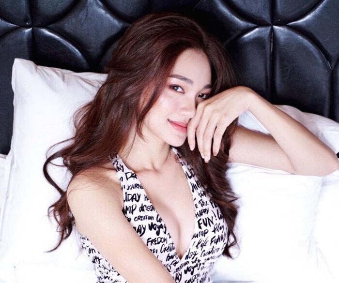 Hotgirl Ngọc Nữ chăm chỉ 'thả dáng' với bikini, dân mạng không ngớt lời khen 2