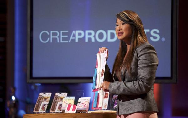Sáng chế dụng cụ cắt tóc tại nhà, cô gái gốc Việt được mời lên Shark Tank Mỹ, gọi vốn 200.000 USD 0