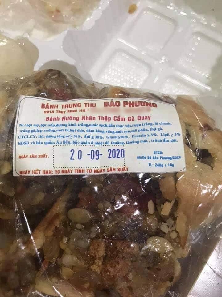 Bánh Trung thu Bảo Phương lừng danh Hà Nội bị tố 2 lần liên tiếp trong 3 ngày, dân tình xôn xao nghi ngờ chất lượng bánh đang đi xuống? 4