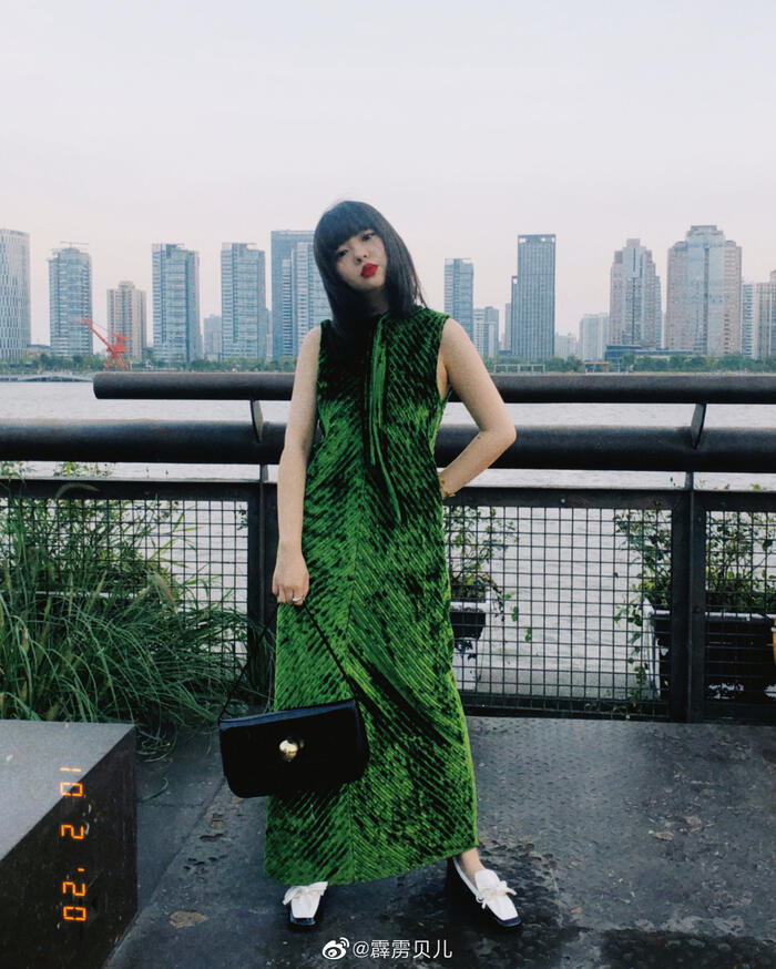 Stylist Belle Shao giờ làm việc cho tạp chí đình đám Instyle China và hợp tác với rất nhiều <a href=
