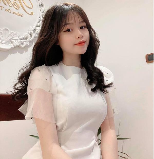 Khoe mua nhà ở tuổi 21, bạn gái Quang Hải vẫn bị hoài nghi về khả năng tài chính: 'Rốt cuộc làm nghề gì mà 21 tuổi đã mua nhà?' 2