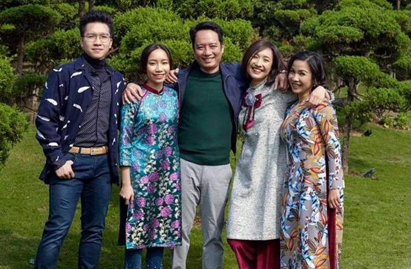 Gia đình viên mãn của Mỹ Linh.