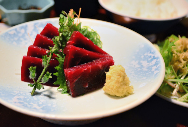 Thịt cá voi ở Nhật Bản từng là món ăn được ưa chuộng với giá trị dinh dưỡng cao.