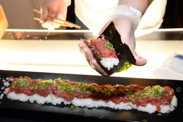 Súp vi cá mập, gan ngỗng, sushi cá ngừ, liệu con người có thấu nỗi đau mà loài vật phải chịu để cho ra ẩm thực 'tinh hoa'? 9