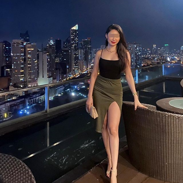 Nạn nhân được mô tả là một phụ nữ xinh đẹp và hết mình với công việc.