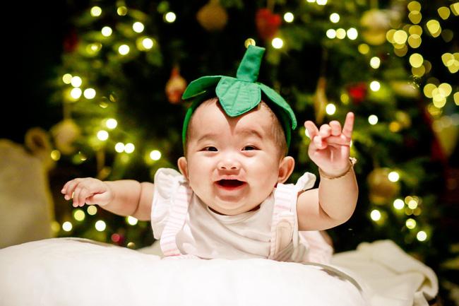 Bộ ảnh cận mặt dễ thương của con gái nhỏ nhà Khánh Thi - Phan Hiển 6