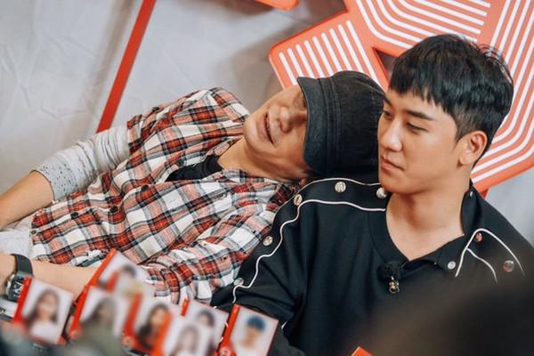 Dù bị YG đối xử bất công nhưng Seungri (BigBang) vẫn ngậm ngùi đăng đàn xin lỗi Yang Hyunsuk 0
