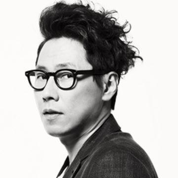 Nhạc sĩ - ca sĩ Yoon Jong Shin.