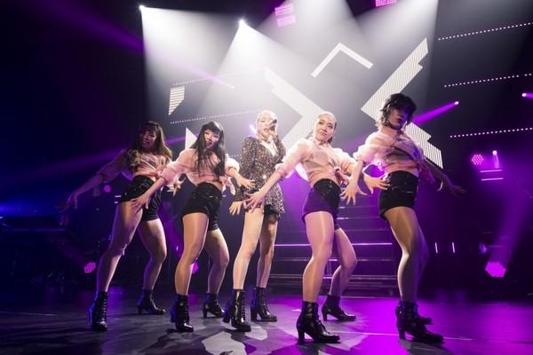 Sân khấu của Taeyeon tại concert.