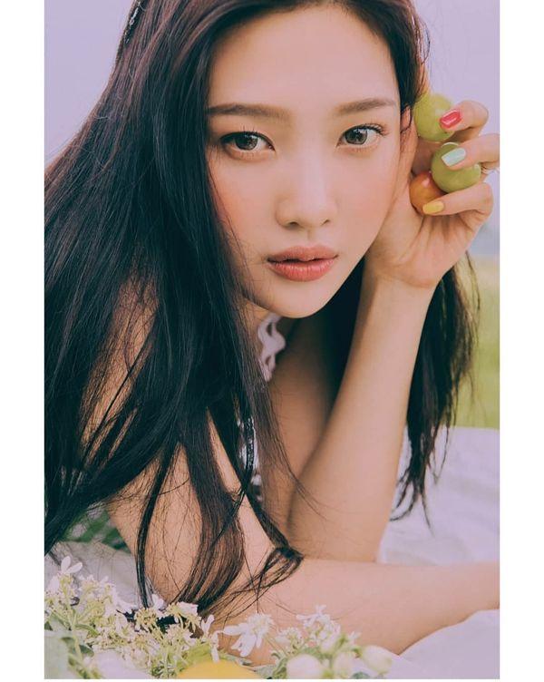 Nhìn ngắm loạt poster đẹp xuất sắc của Red Velvet trước thềm comeback với ReVe Festival: Day 2 6