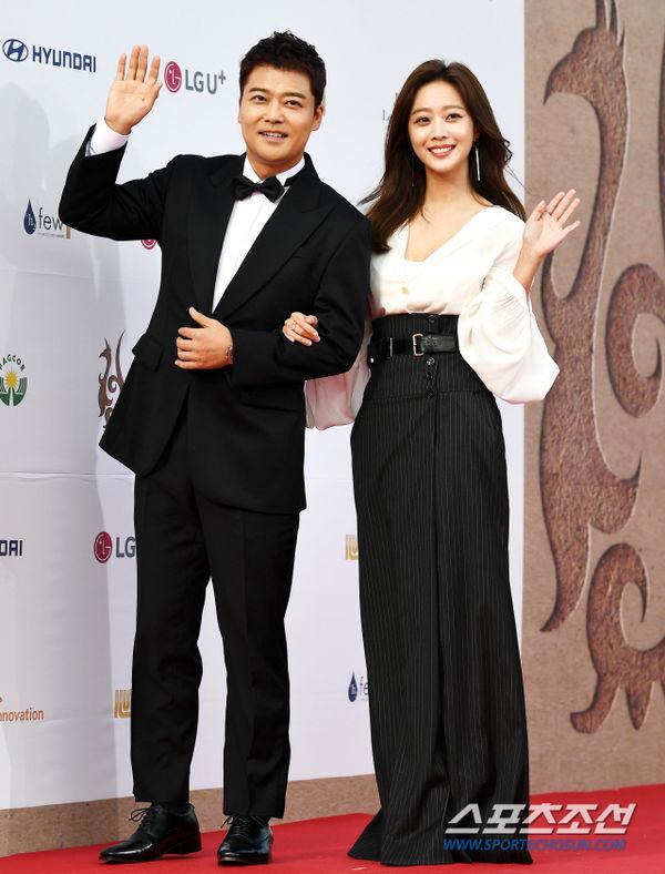 Thảm đỏ 'Seoul International Drama Awards 2019': Trương Ngọc Ánh - Anh Dũng độ sắc Jang Nara và Ji Chang Wook 0