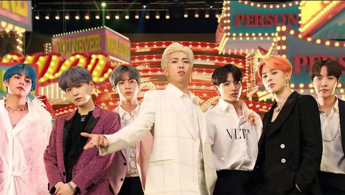 Boy With Luv của BTS đã trở thành hit KPop được stream nhiều nhất trên nền tảng âm nhạc quốc tế.