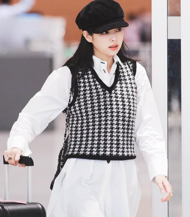 6 items đang được idol Hàn lăng xê nhiều nhất, bạn chưa update đừng hỏi sao phong cách cứ 'dậm chân tại chỗ' 12
