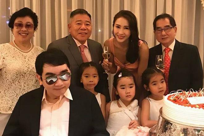 'Triệu Mẫn' Lê Tư sau 10 năm giải nghệ lấy đại gia tàn tật: Sống viên mãn, giàu có ở tuổi U50 8