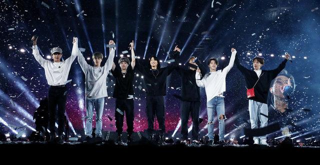 Sau 9 tháng ra mắt, Boy With Luv của BTS vẫn nằm trong top 10 bảng xếp hạng Melon 0