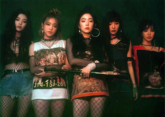 Mặc dù thất vọng trước cách SM tìm kiếm cơ hội phát triển ngoài Hàn Quốc cho Red Velvet nhưng các fan vẫn mong muốn các cô gái tập trung hoạt động để lên đến đỉnh cao ở thị trường châu Á.