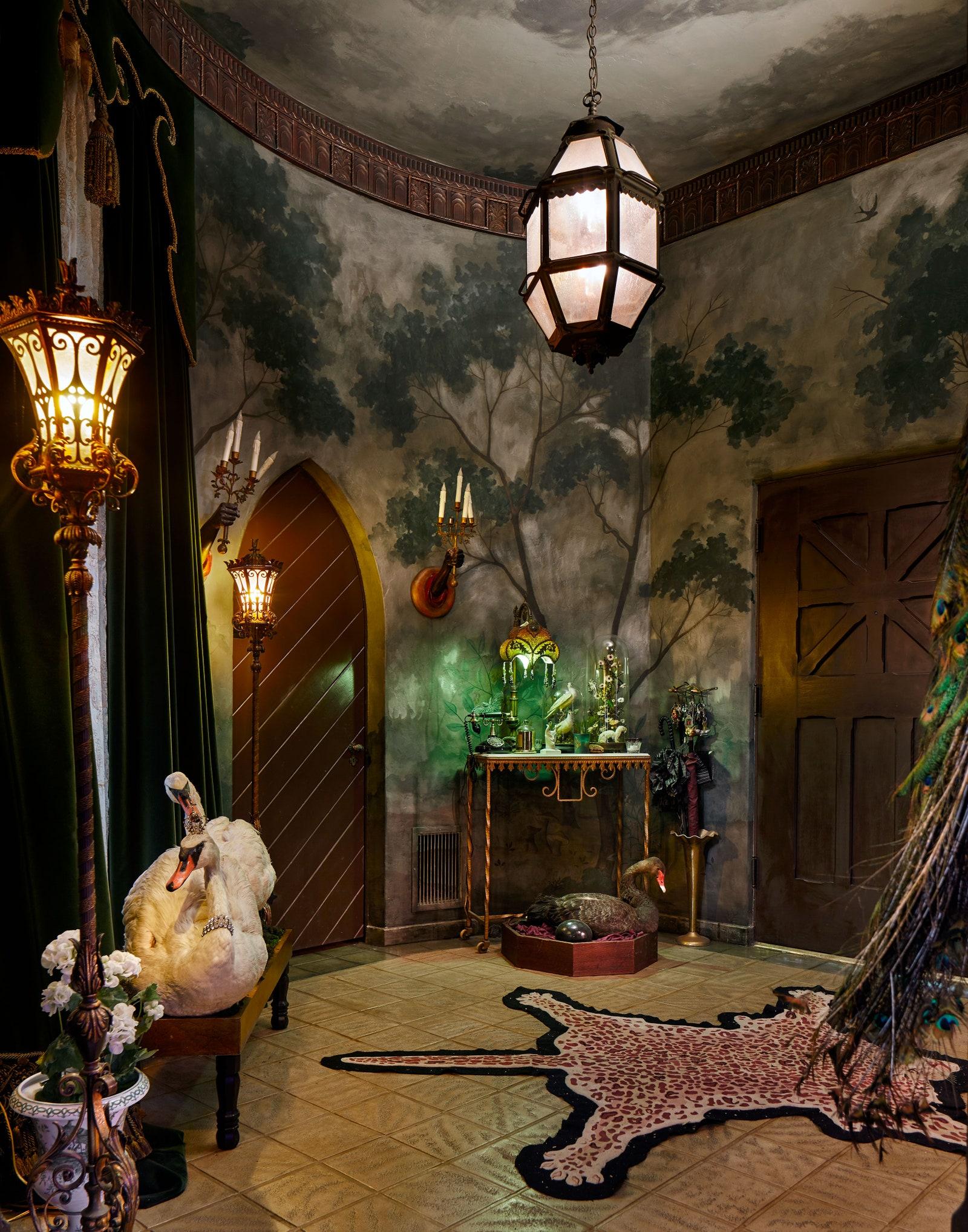 Ngôi nhà đẹp như trong cổ tích của mỹ nhân đắt giá nhất Hollywood 4