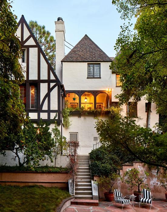 Ngôi nhà đẹp như trong cổ tích của mỹ nhân đắt giá nhất Hollywood 2