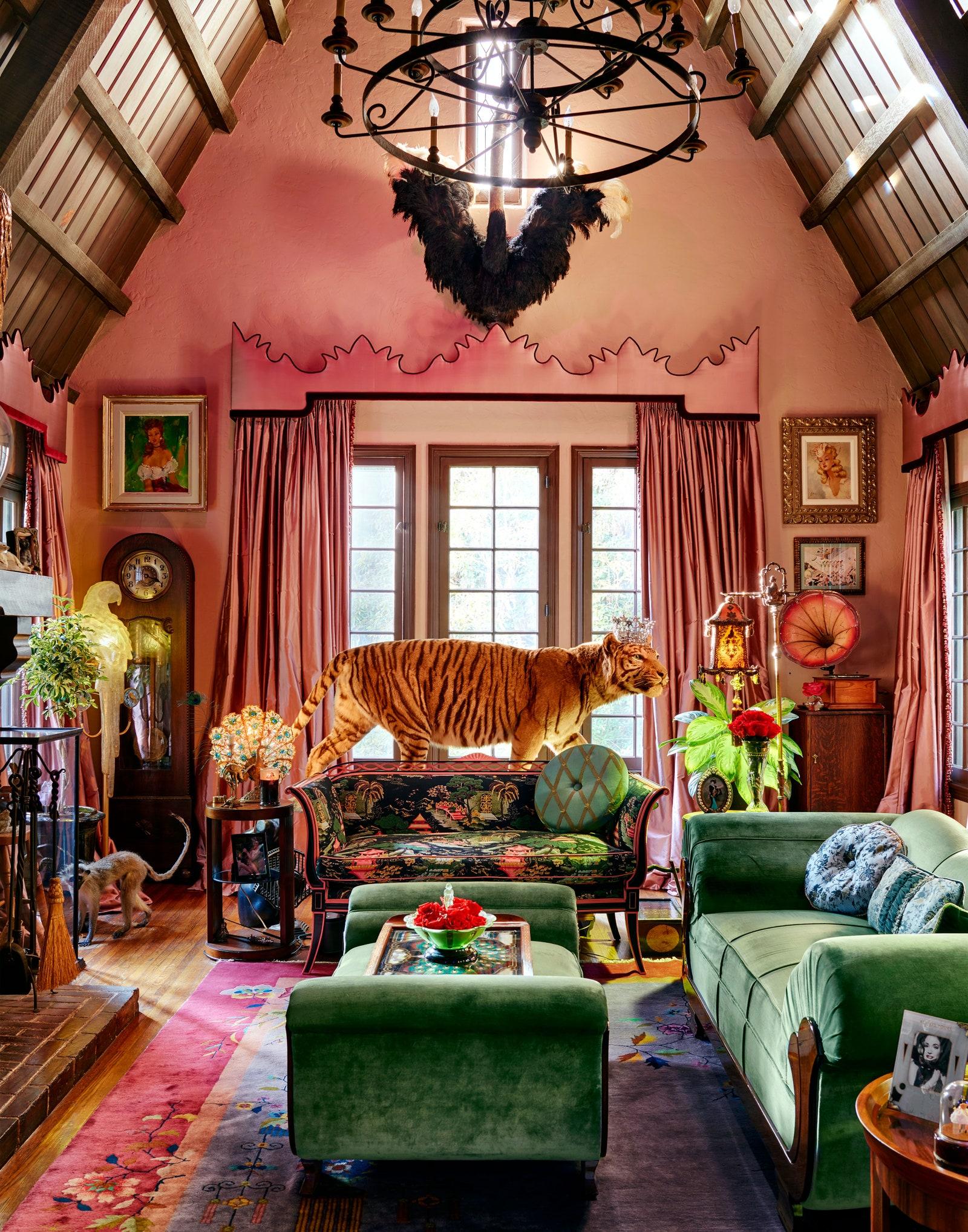 Ngôi nhà đẹp như trong cổ tích của mỹ nhân đắt giá nhất Hollywood 5