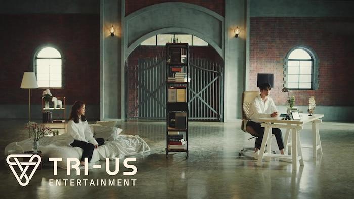 Beak Ji Young và Seongwu trong bối cảnh MV.