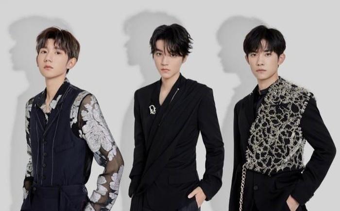 Fan xót khi thấy hình ảnh mệt mỏi của 3 thành viên TFBOYS sau khi kết thúc concert kỉ niệm 7 năm 7