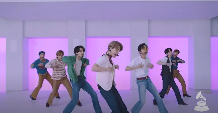 Clip hot: Sân khấu của nghệ sĩ châu Á đầu tiên xuất hiện trên Press Play của GRAMMYs - BTS với Dynamite! 1