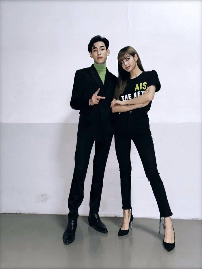 Bang Chan (Stray Kids) bất ngờ gây chú ý khi tiết lộ mối quan hệ với Lisa (BlackPink) 4