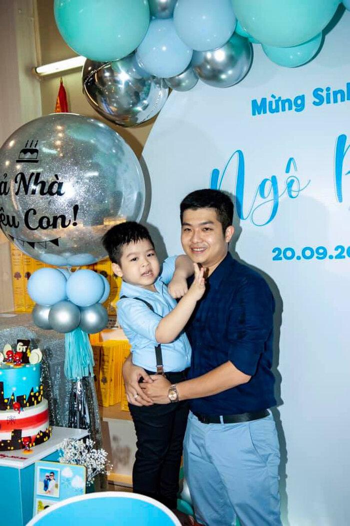Nhật Kim Anh bị chồng cũ gỡ hết hình chụp với con trai trong tiệc sinh nhật 0