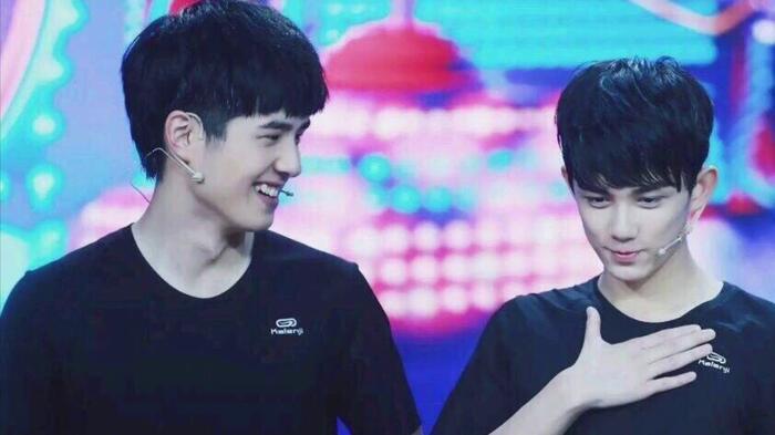 Hai thành viên TFBoys Vương Tuấn Khải và Dịch Dương Thiên Tỉ tranh giành vai diễn? 2