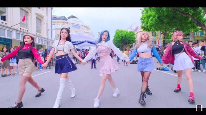 Liz Kim Cương 'bắt tay' 2 nhóm nhảy từng chiến thắng cuộc thi của YG, 'quẩy' Lovesick Girls (BlackPink) 'tưng bừng' đường phố 5