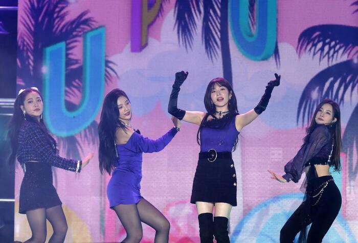 Gặp sự cố khi đang biểu diễn, Irene (Red Velvet) thể hiện phong thái chuyên nghiệp khi xử lí chỉ trong tích tắc 1