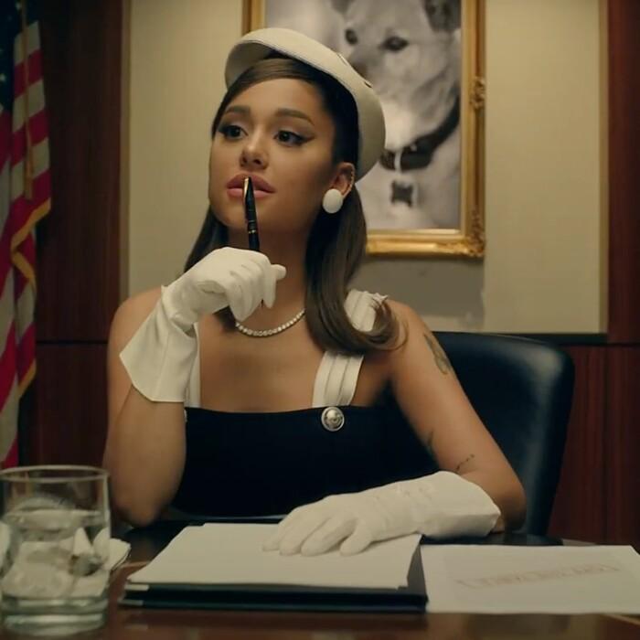 'Positions' bài hát mới nhất của Ariana Grande: Không nói về chuyện giường chiếu 0