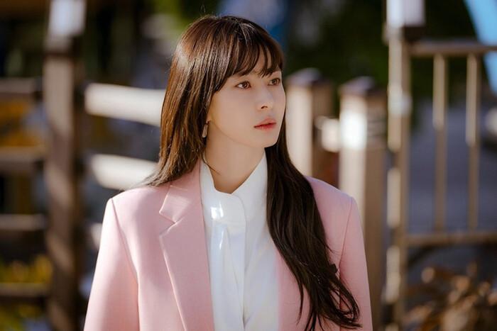 Kwon Nara hóa thân kỹ nữ xinh đẹp ngạo kiều trong 'Secret Royal Inspector' 4