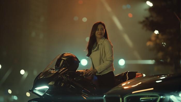 Hyun Bin đẹp đến mức nào mà khiến Son Ye Jin mê mẩn 7