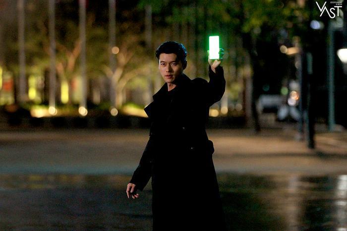Hyun Bin đẹp đến mức nào mà khiến Son Ye Jin mê mẩn 8
