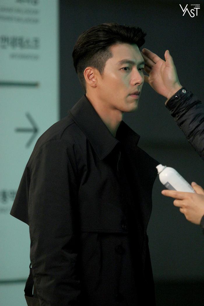 Hyun Bin đẹp đến mức nào mà khiến Son Ye Jin mê mẩn 15