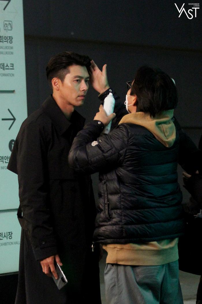 Hyun Bin đẹp đến mức nào mà khiến Son Ye Jin mê mẩn 16