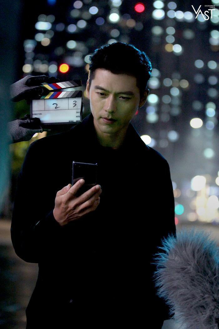 Hyun Bin đẹp đến mức nào mà khiến Son Ye Jin mê mẩn 17