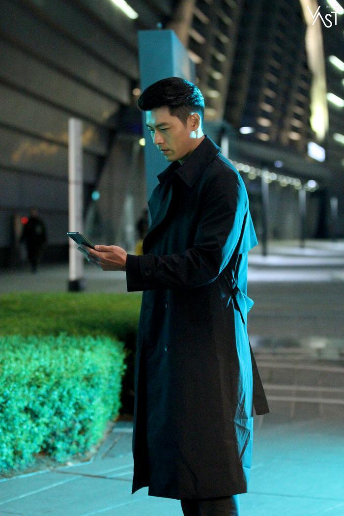 Hyun Bin đẹp đến mức nào mà khiến Son Ye Jin mê mẩn 18