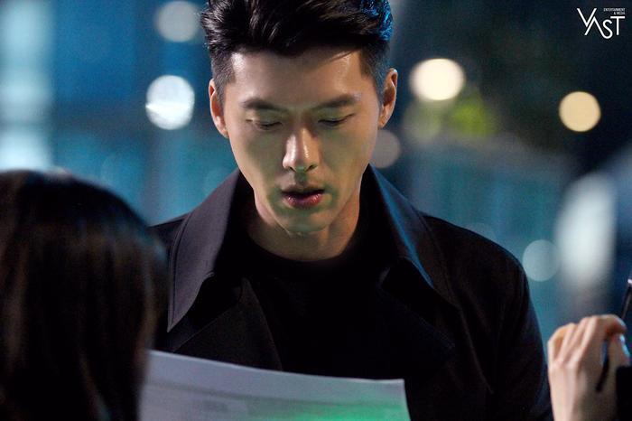 Hyun Bin đẹp đến mức nào mà khiến Son Ye Jin mê mẩn 21