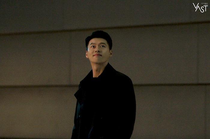 Hyun Bin đẹp đến mức nào mà khiến Son Ye Jin mê mẩn 22